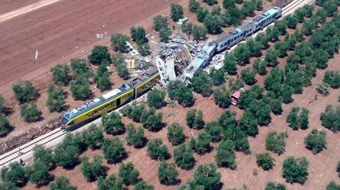 Tragedia en Italia: al menos 10 muertos en un choque frontal de trenes