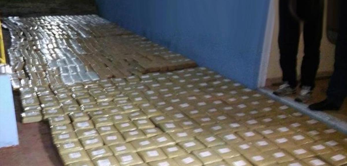 Familia posadeña halló camioneta llena de marihuana en su casa de Ituzaingó