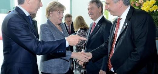 Passalacqua invitó a Merkel a conocer las Cataratas del Iguazú