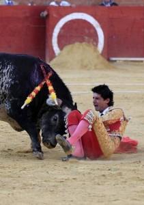 Video: torero español murió corneado en pleno festival