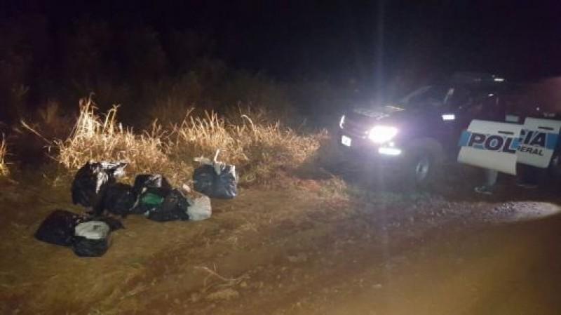 Apilaron droga a un costado de la 14, pero huyeron al ser detectados por la Policía Federal