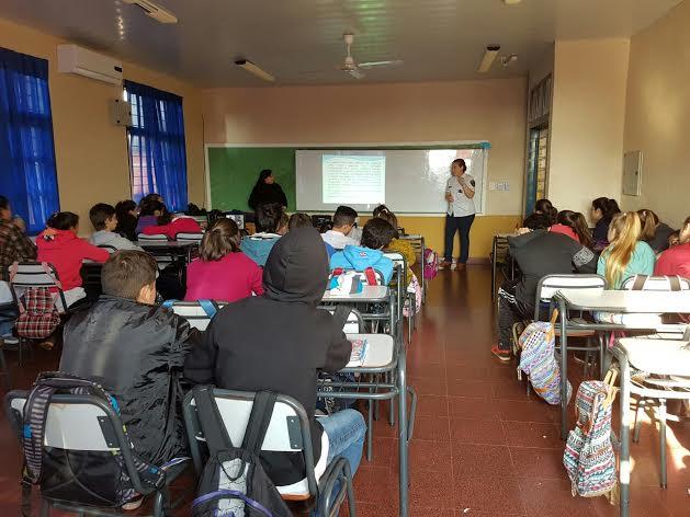 La Policía continúa capacitando a alumnos para prevención de Bullying en Alem