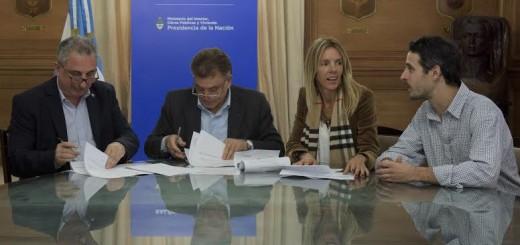 Passalacqua firmó convenio con Nación para construir viviendas