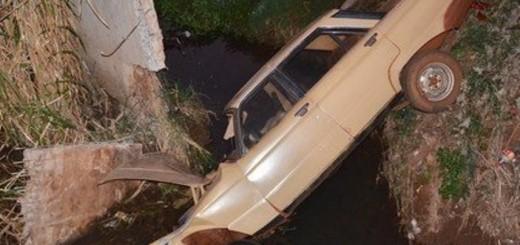 Cuatro heridos en Apóstoles al caer un coche en un canal de desagüe