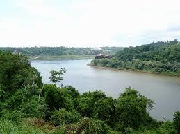 Hallan el cuerpo de un hombre en Río Paraná en Puerto Iguazú