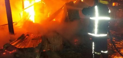 Dos viviendas fueron arrasadas por las llamas en la Zona Oeste de Posadas