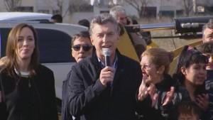 Apedrearon el auto del presidente Macri luego de un acto en Mar del Plata
