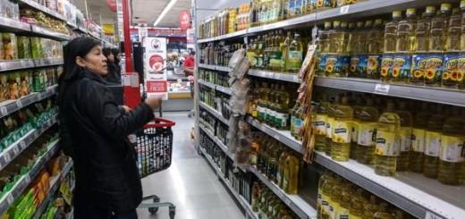 """Macri estudia aplicar la """"Ley de Góndolas"""" para garantizar venta de productos nacionales"""