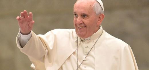 """En un nuevo video por Youtube titulado """"no los abandones"""", el Papa pide acoger a pobres y refugiados"""