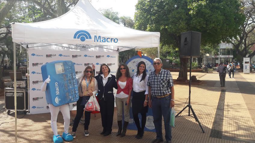 """El Banco Macro presente en el """"Black Friday"""" de Posadas"""