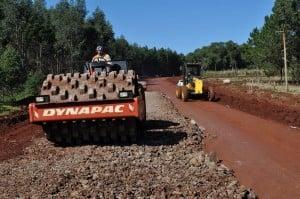 Avanzan los trabajos en la ruta provincial Nº 220