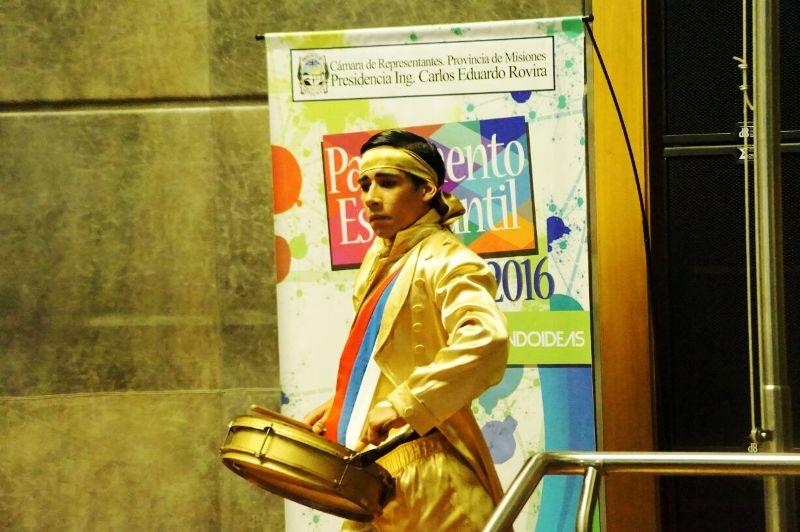 Parlamento Estudiantil: Misiones prioriza el desarrollo de las nuevas tecnologías en la educación y para los jóvenes