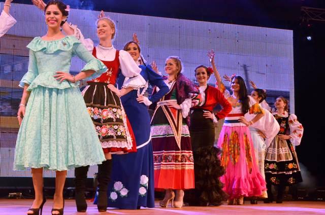 La Noche de Reinas invade de belleza la Fiesta del Inmigrante