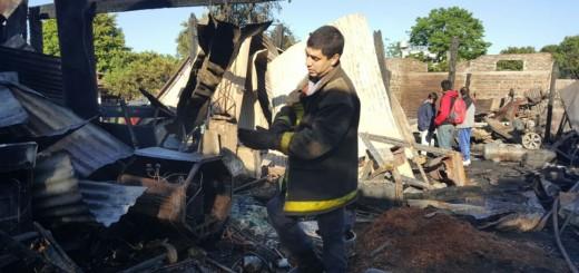 Incendio en la mueblería: en media hora se hicieron cenizas 30 años de trabajo y sacrificio de los Kosachek