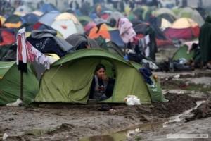 París abrirá un campamento de refugiados en octubre