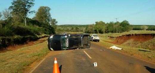 Volcó una camioneta que era remolcada en la ruta costera 2 y falleció un hombre