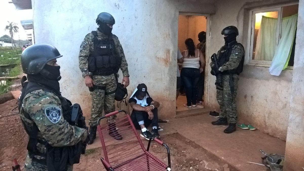 Tras días de investigación, allanan una casa en Posadas e incautan marihuana y cocaína fraccionados para la venta