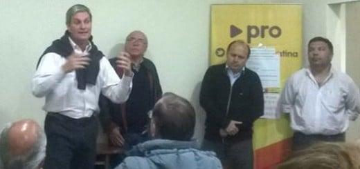 Alejandro García (derecha), compartiendo un acto con Marcelo Julien, titular de la Anses Misiones.