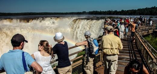 Más de 1,3 millón de turistas se movilizaron durante el fin de semana largo en todo el país