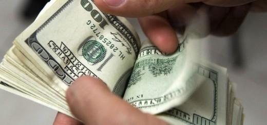 El dólar mayorista saltó hoy otros 18 centavos y quedó en $15,82