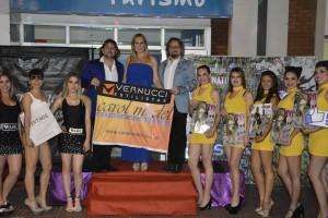 Exitoso desfile de la agencia de Carol Model en la Costanera en homenaje a los peluqueros y la moda