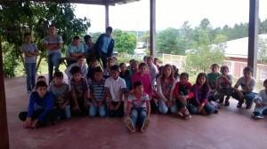 Arroyo del Medio y Cerro Azul: con mucho esfuerzo cotidiano, hijos de colonos logran terminar la primaria en escuelas rurales