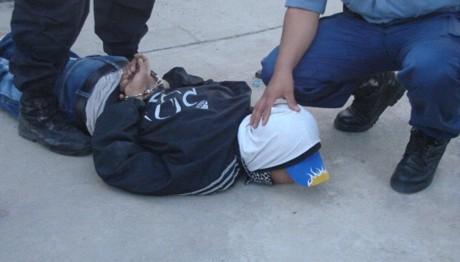 Ladrón irrumpió en una casa y golpeó a un nene de 9 años en Eldorado: el papá del chico lo redujo a los golpes