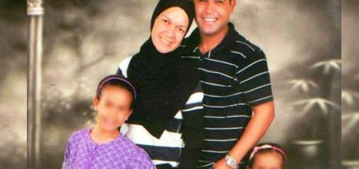 """El marido de la misionera que no puede salir de Egipto responde: """"Carolina miente y me robó"""""""