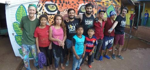 Jóvenes pintaron un mural en la comunidad Fortín Mbororé de Iguazú