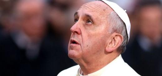 """El Papa anunció que no vendrá en 2017 y llamó a los argentinos a """"ponerse la Patria al hombro"""""""