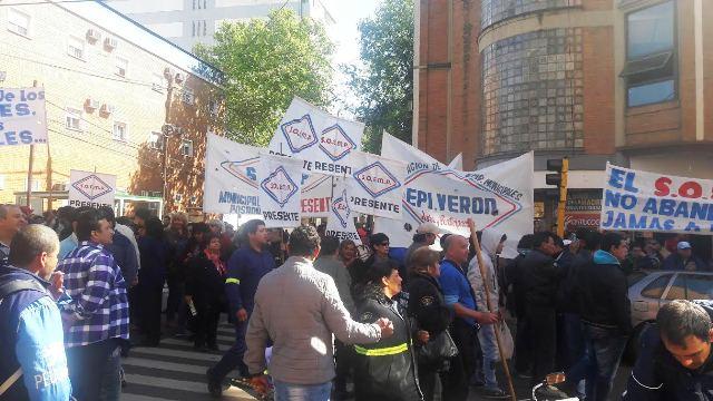 Inspectores de tránsito de Posadas continúan con la protesta