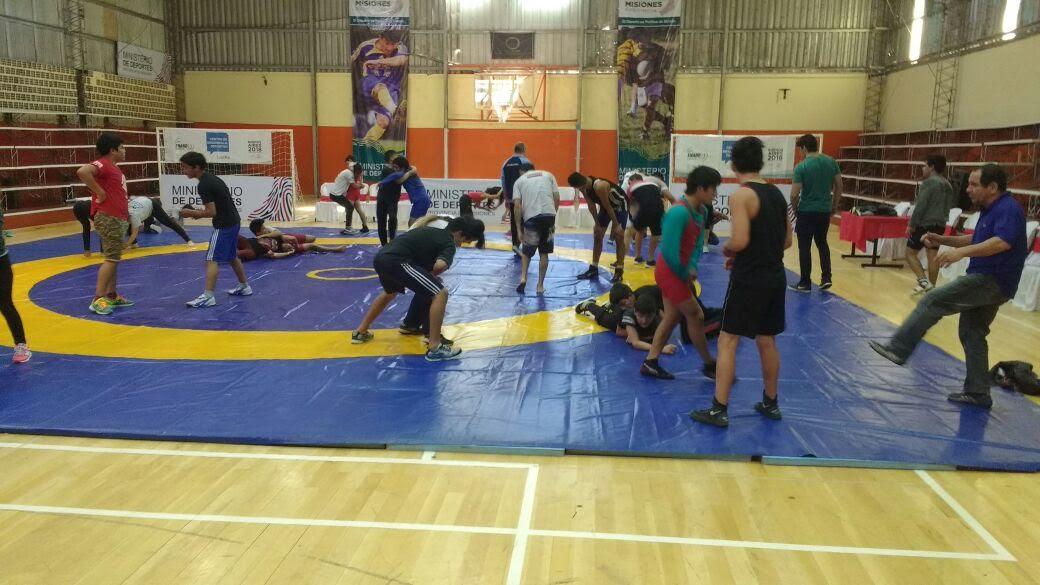 Comenzó el dictado de clases en el campus de entrenamiento de Lucha Olímpica