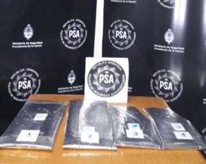 Detuvieron a un alemán en el aeropuerto de Iguazú con 3 kilográmos de cocaína
