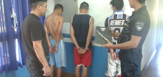 Atraparon a tres jóvenes que intentaron ingresar en una casa