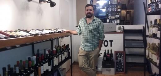 """El mendocino que abrió una vinoteca con un concepto """"boutique"""" bien alejado de las marcas masivas"""