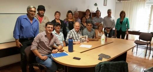 El Ministro de Industria compartió experiencias con oleros locales, miembros de la Cooperativa de Ladrilleros Unidos