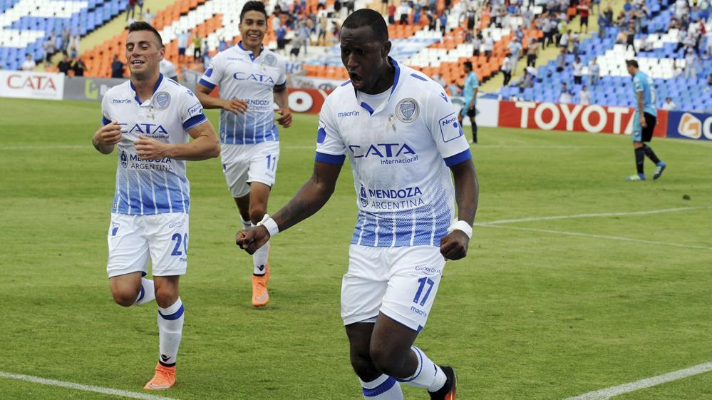 Con un triplete de Ayoví, Godoy Cruz derrotó a Aldosivi 3 a 1 en Mendoza