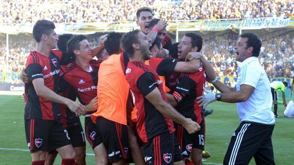 Newell´s se quedó y San Lorenzo se lo empató en el final