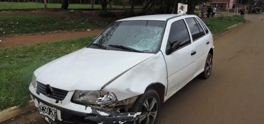 Motociclista sufrió heridas graves al chocar con un auto en Posadas