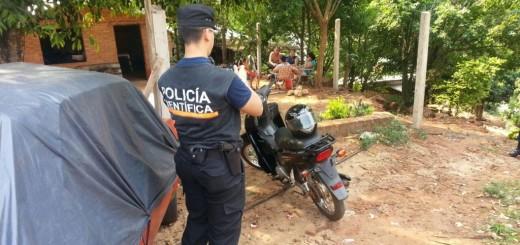 Dos jóvenes fueron detenidos tras intentar fugarse a bordo de una moto robada