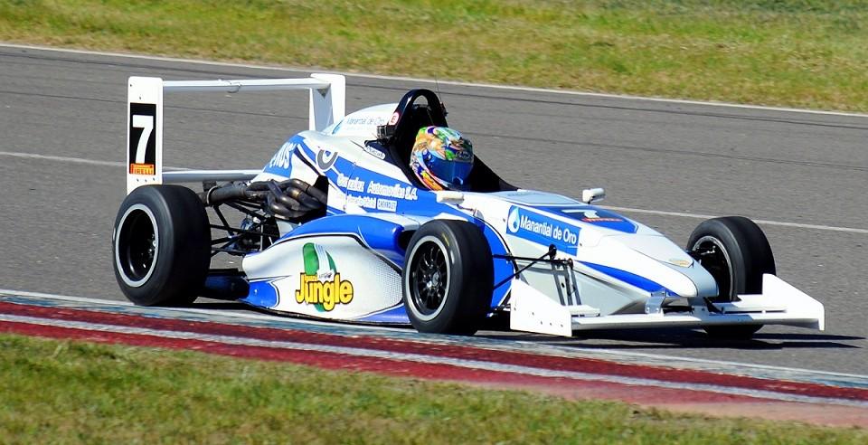 Rudito Bundziak busca mantener la cima en la Formula Renault en Córdoba
