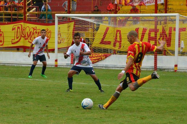 Guaraní perdió 2 a 0 con Sarmiento y no levanta cabeza