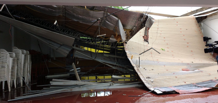 Un muerto, decenas de árboles caídos, localidades enteras sin luz y cuantiosos daños por el temporal en Misiones