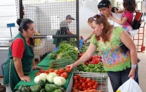 El Mercado Concentrador ofrece sus productos a precios bajos por el día de la madre