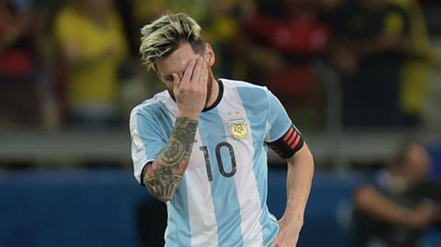 El desafío de Messi: salvar a la patria con un cuchillo y un tenedor de plástico