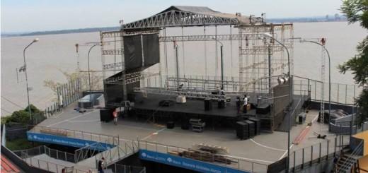 Avanza el armado del escenario para una nueva edición del Festival del Litoral que comienza este jueves