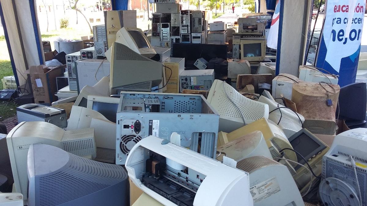 Campaña de recolección exitosa: se completaron dos camiones cargados de residuos electrónicos