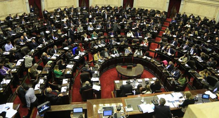 El Gobierno confirmó llamado a sesiones extraordinarias por reforma política y Ganancias