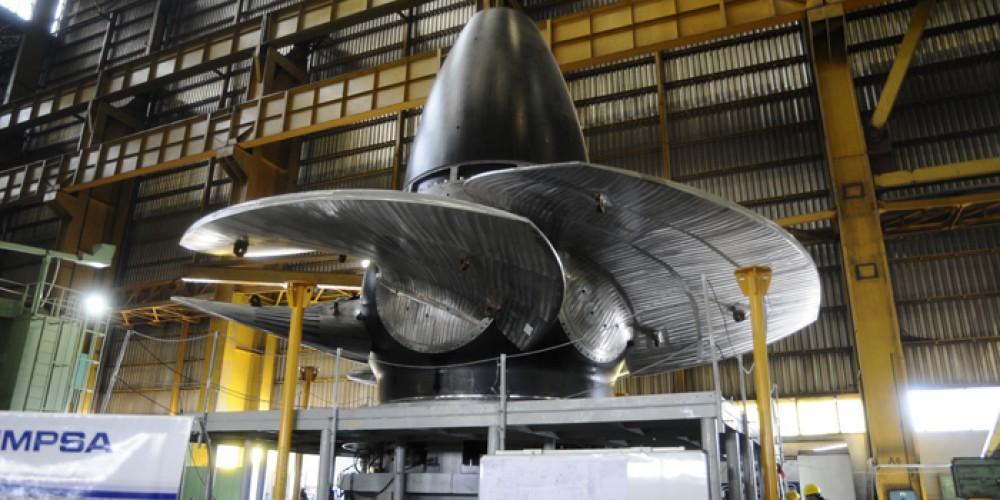 Con la ayuda de Macri, Pescarmona zafó de la quiebra y pelea por fabricar nuevas turbinas para Yacyretá