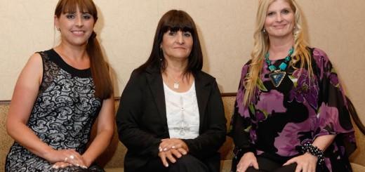 La directora artística del festival Iguazú en Concierto, Andrea Merenzon, fue distinguida por la Fundación AVON